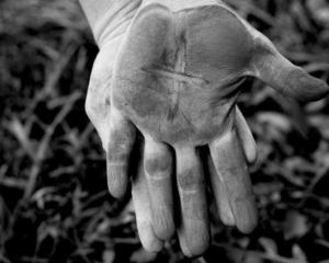 ash-wednesday-hands
